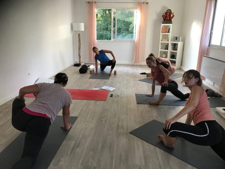 Cours de yoga dynamique proche de Genève